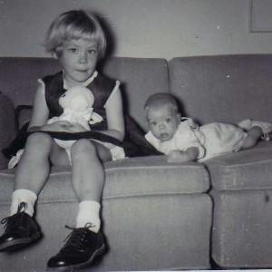 195723